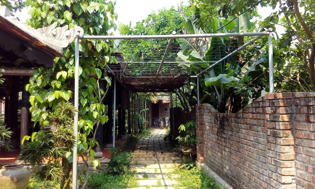 Tam Tinh Vien Homestay, Long Ho Ha Village, Huong Tra, Thua Thien Hue