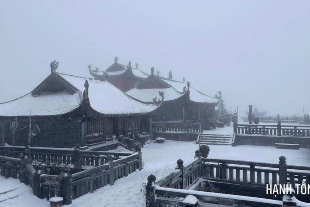Cảnh đẹp Fansipan mùa tuyết rơi