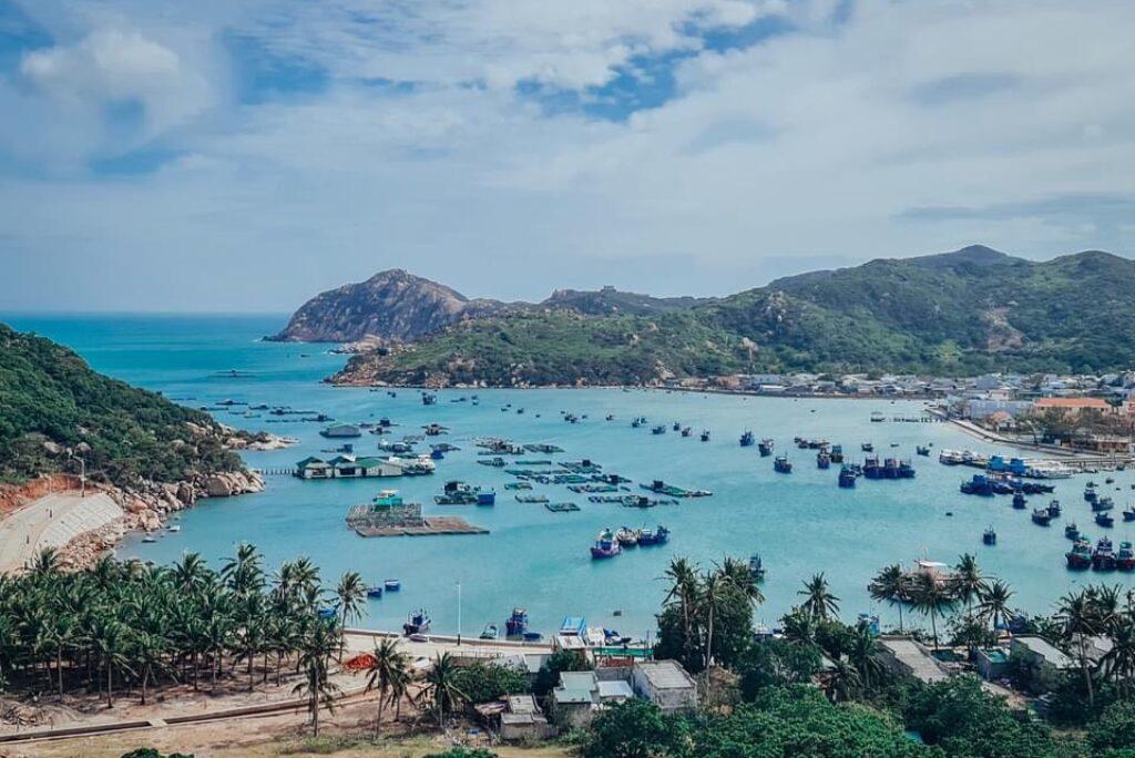 Review Vịnh Vĩnh Hy – 10 hoạt động thú vị tại Vịnh Vĩnh Hy